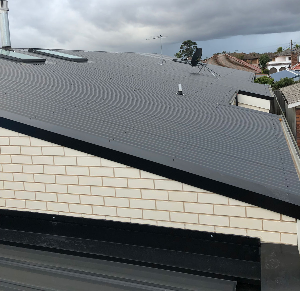 Does Metal Roofing Need Insulation | City2Surf Roofing Sydney